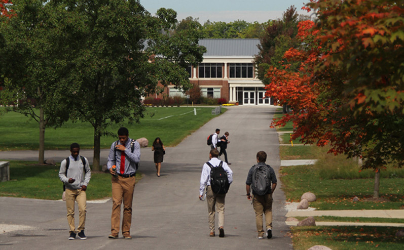 Lake_Forest_Academy_Fall_Campus